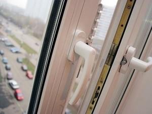 падение подростка из окна в киеве