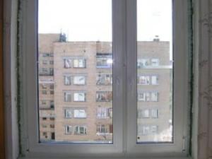 подросток выбросился в окно в киеве