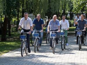 Даже мэр ездит на велосипеде