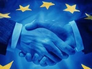 В Конституции закрепят как внешнеполитические ориентиры движение в ЕС и НАТО