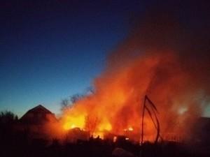 Сосед спас из горящего дома женщину с тремя детьми