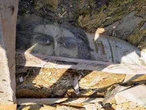 Иконы обнаружили во время ремонта крыши