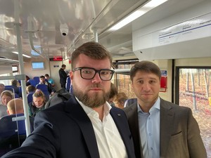 Поезд будет делать остановку на станции Выдубичи