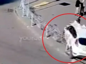 В Киеве учебная машина автошколы сбила пешехода на «зебре»